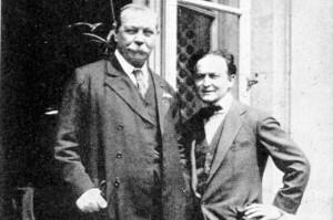 Arturas Konan Doilis ir Haris Hudinis buvo draugai, kol išsiskyrė jų požiūris į dvasių pasaulį.